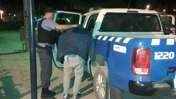 Antinarcóticos detuvo a 4 jóvenes y secuestró 50 ravioles de cocaína.