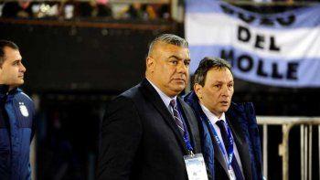El presidente de la AFA decidió que la Selección juegue en la Ribera.