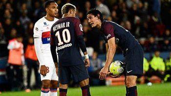Neymar y Cavani se pelearon en el vestuario del PSG