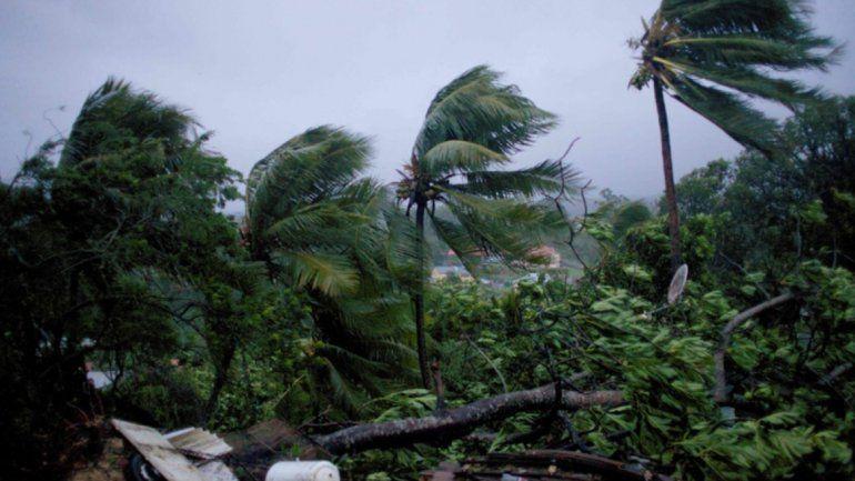 Temen que el huracán María sea más devastador que Irma