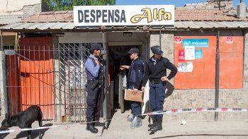 Efectivos policiales trabajaban en la vivienda donde se produjo el crimen en Costa Sur.
