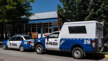 La cabo y el suboficial denunciado trabajan en la Comisaría 23.