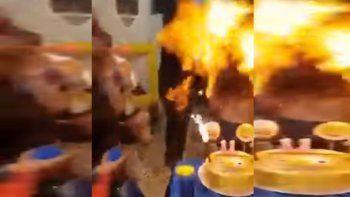 cumpleanos tragico: soplo la vela y se prendio fuego