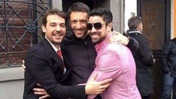 Gustavo Conti ya graba junto a Castro y a Alfonso.