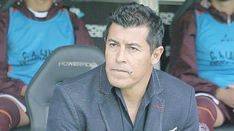 Almirón, el DT favorito de Macri para la Selección
