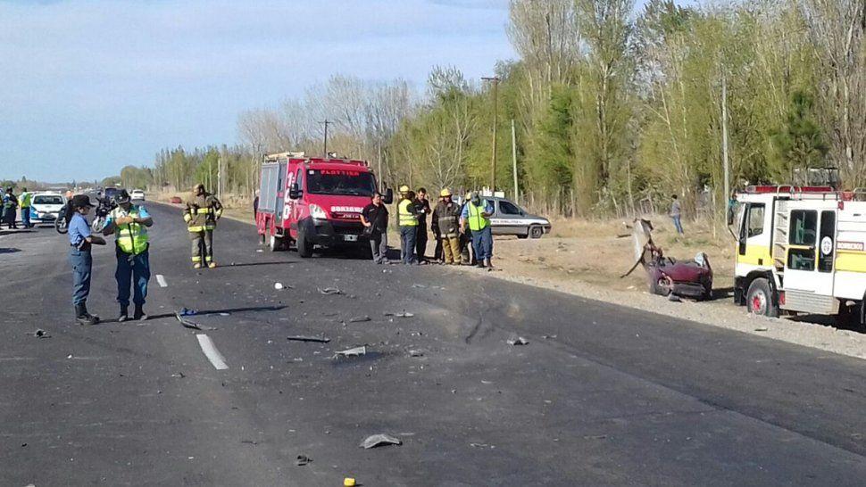 Un hombre murió en un violento choque frontal sobre la Ruta 22