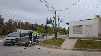 una motociclista resulto herida en un choque en la sirena
