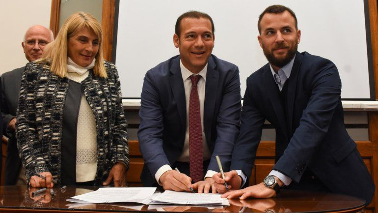 El Gobierno firmó un acuerdo para duplicar la producción de truchas