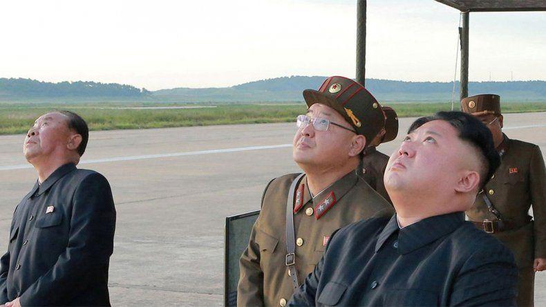 Corea del Norte posiciona aviones de combate en la costa este