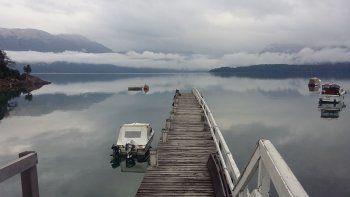 Aprovecharon el lago picado y saquearon 4 embarcaciones