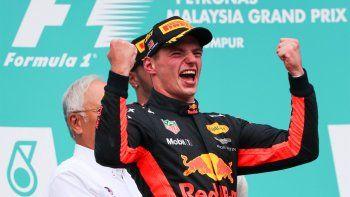 Verstappen ganó y Hamilton se afirmó en el campeonato