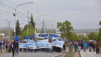 El MPN marchó por las calles del Oeste en defensa del ISSN