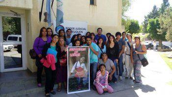 Familiares, amigos y vecinos de Luzmila se movilizaron desde el inicio para exigir justicia por la muerte de la niña.
