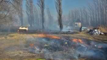 Los lugares secos, la falta de mantenimiento y un viento fuerte se convierten en un cóctel muy peligroso que puede desatar enormes incendios.