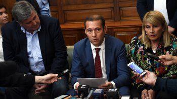 El gobernador Omar Gutiérrez informó ayer que el fiscal de Estado fijó la postura neuquina ante la Corte Suprema.