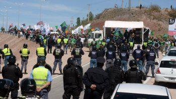 Los gremios se movilizaron por Ruta 7 por la visita del presidente