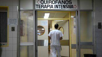 Dicen que sólo hay cinco anestesistas trabajando en el Castro Rendón.