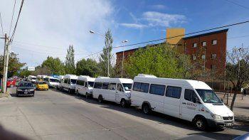 Transportistas protestaron en el CPE por falta de pago
