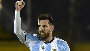 Se vistió de héroe para que no queden dudas de su compromiso con la Selección. Fue el mejor de todos y nos lleva al Mundial.