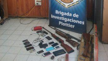 La Brigada de Investigaciones de la Séptima secuestró armas y celulares.