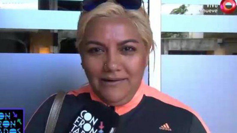 La cantante rompió en llanto en un móvil de El Trece y dijo que para ella su padre es un asesino.