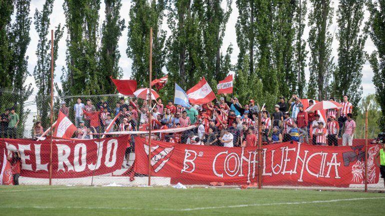 La banda del Rojo acompañó en buen número (más de 1000) por ser un día de semana.