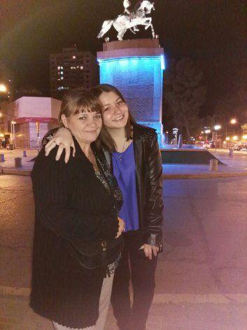 Mi mamá es la mejor porque apoya siempre mis decisiones y sus abrazos son mágicos