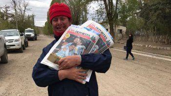De Ecuador a Barrancas: la emoción del canillita personaje del pueblo