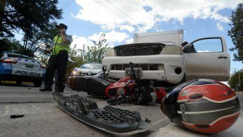 Motociclista herido luego de ser atropellado en el centro