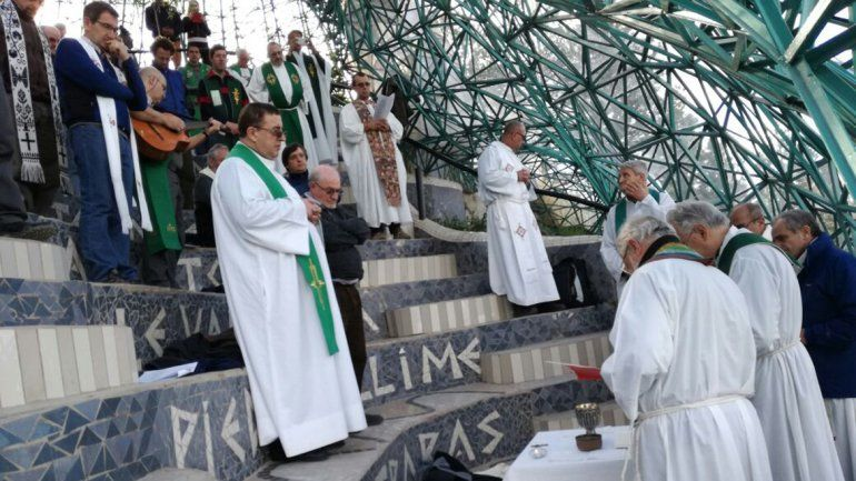 El obispo Croxatto celebró la primera misa en el Cristo Luz