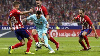 barcelona le saco un punto al atletico y sigue como lider