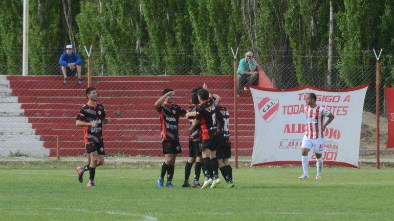 Independiente lo buscó hasta el final pero no pudo con Rivadavia y cayó  1-0