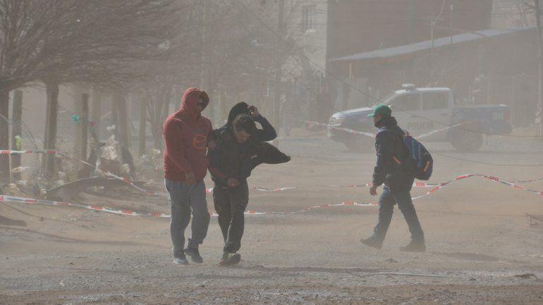 Tras las nevadas en la cordillera, llega el viento fuerte a Neuquén