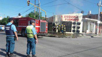 un incendio arraso con una fiambreria en el centro oeste