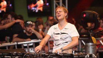 El DJ holandés Armin Van Buuren tocó en Costa Salguero, donde fue detenido el hijo de Lía Cruzet.