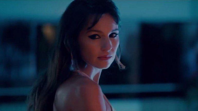 Denuncian a Netflix por un film de Pampita con pornografía