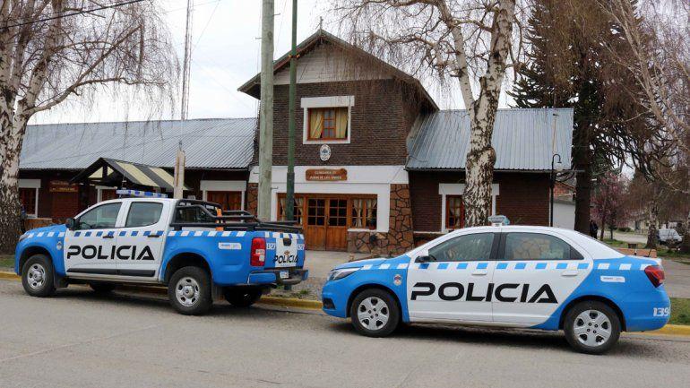 La denuncia contra el profesor de títeres fue radicada en sede de la Comisaría 25 de Junín de los Andes.