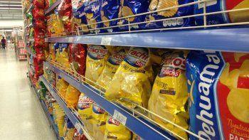 quieren prohibir exhibir snacks en las cajas de los supermercados porque engordan