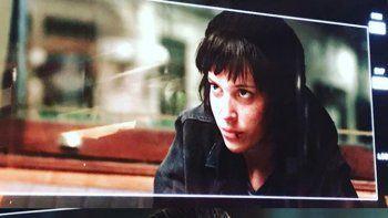 La actriz debió hacer un cambio rotundo en su cabello para interpretar a Manuela Pelari, una investigadora policial.