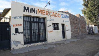 El almacén Elena, de Belgrano al 2300, vendía alcohol en forma clandestina.