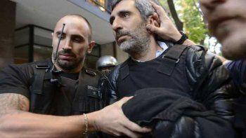 Baratta, ayer por la tarde, cuando era detenido por la policía en Buenos Aires.