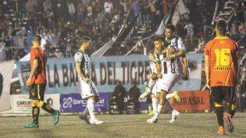 Velázquez y el gol del empate. Cipo ya merecía la igualdad, que se hizo esperar hasta los 37 minutos de la segunda etapa.