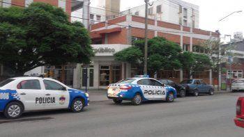 garantizan la presencia policial en la guardia del hospital castro rendon