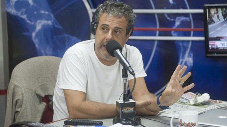 Ari Paluch salió a explicar cómo fue el episodio con la microfonista y fue repudiado por sus colegas.