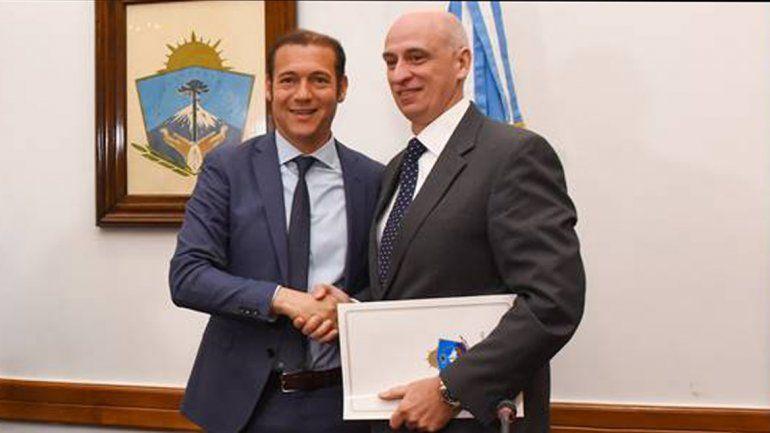 Gutiérrez entregó una nueva concesión no convencional en Vaca Muerta
