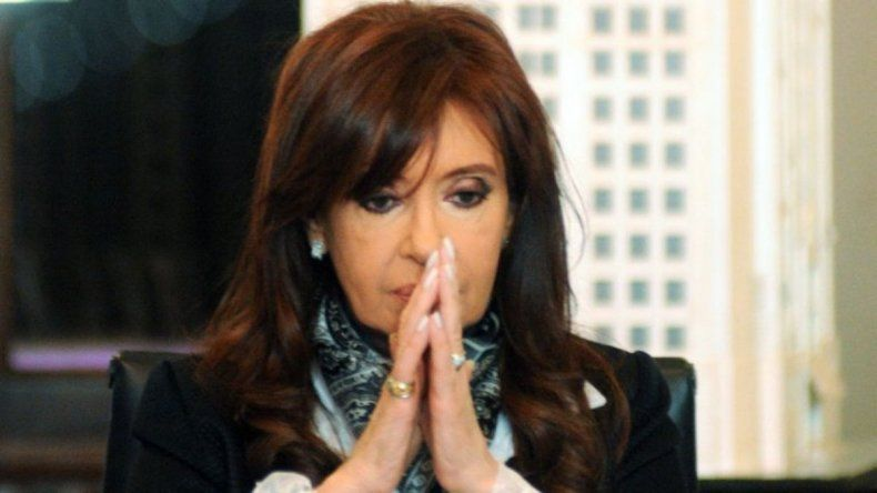 Fiscal pide que Cristina vaya a juicio oral por la causa AMIA