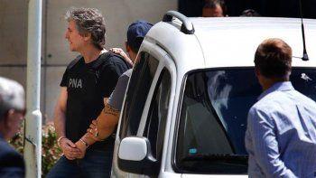 boudou: lo excarcelan en una causa pero sigue detenido