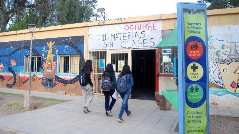 Buscan a la mujer que frustró el rapto de la estudiante