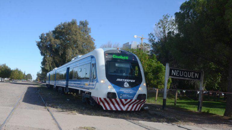 Tras la falla, el Tren del Valle retomó su servicio desde esta mañana