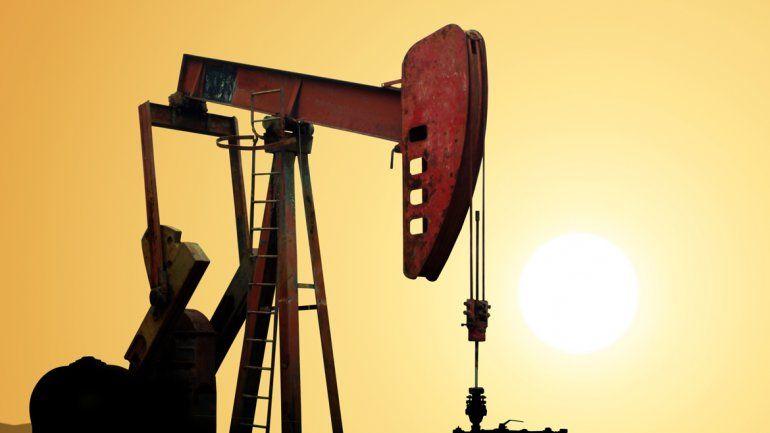Petroleras evalúan bajar equipos a la espera de la cumbre con Lopetegui
